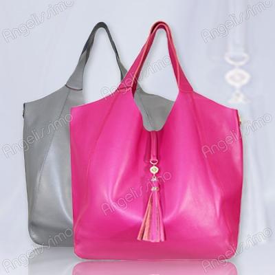 Объемные кожаные сумки – оригинальный тренд модного сезона